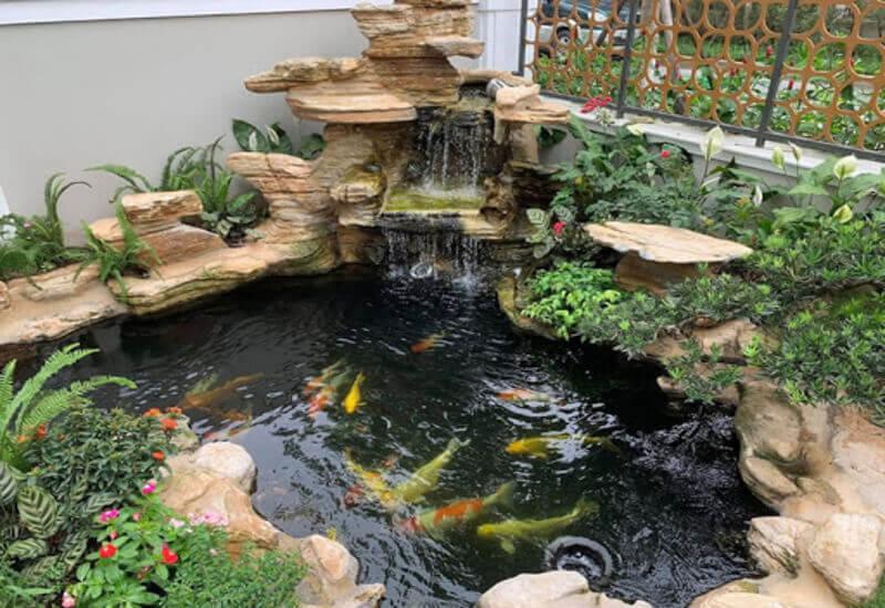 Mẫu hòn non bộ nuôi cá kết hợp với thác nước