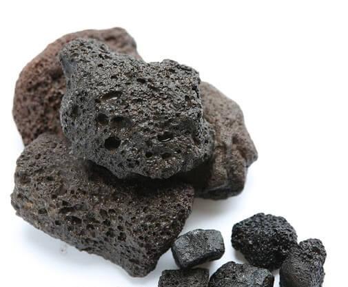 Tại sao nên sử dụng đá nham thạch đen để thanh lọc nước cho bể cá