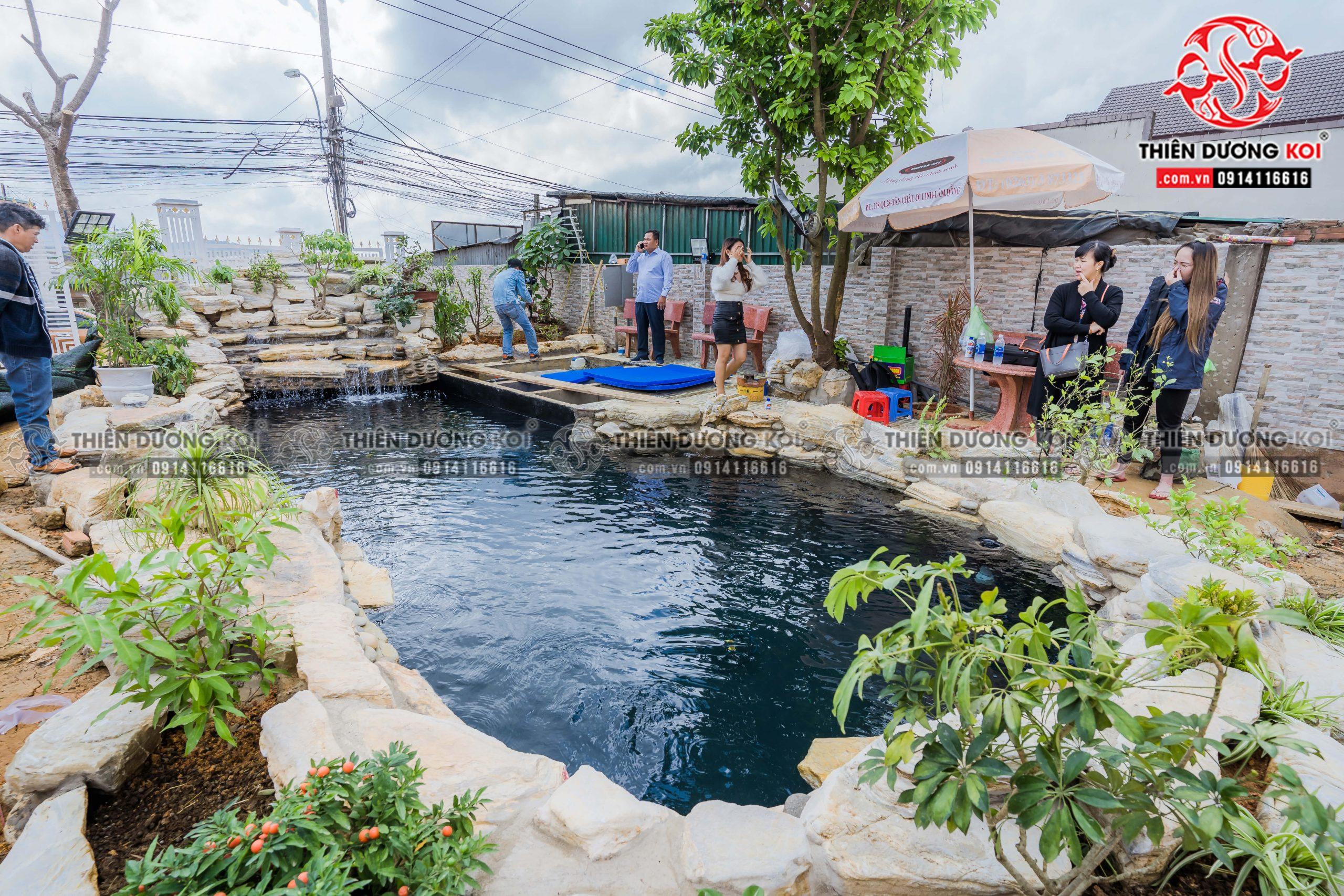 Công trình hồ cá Koi gần hoàn thiện của gia đình Chị Nhu tại Đà Lạt